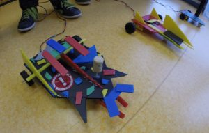 photo_-_robot_martien_construit_decore_-_planete_sciences_rhone-alpes